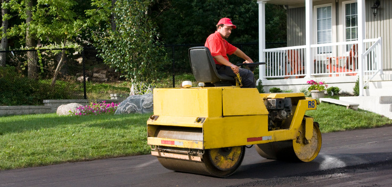 3 Reasons Why a Professional Should Do Your Asphalt Resurfacing