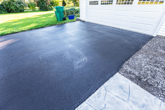 Why Choose an Asphalt Driveway Over Cement?